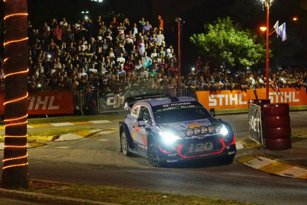 Neuville comienza adelante en Argentina — Rally