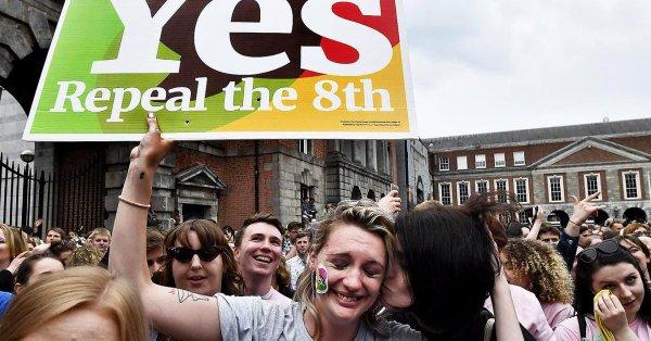 Irlanda, uno de los países más católicos, legalizó el aborto - Actualidad