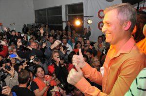 Carlos Oaz - Elecciones 2015 - Festejo Avilés (1)
